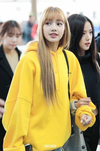 7. Matching dalam Warna Kuning