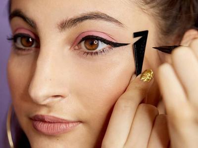 Mudah Kok! Ini 9 Tips Eyeliner untuk Pemula yang Bisa Kamu Coba