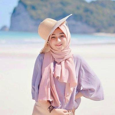 5 Skincare yang Wajib Dipakai Saat Liburan ke Pantai