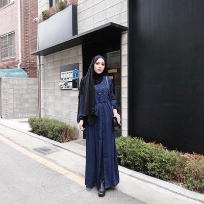 Hijab Warna Hitam
