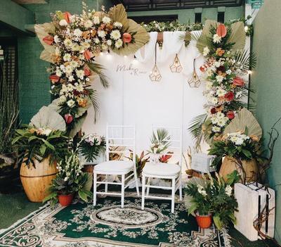 5 Ide Photo Booth Sendiri untuk Pernikahan Minim Budget