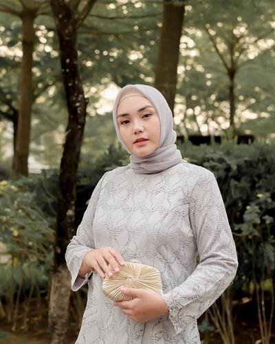 Pilih Bahan Hijab