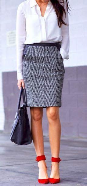 1. Paduan Kemeja Putih dengan Rok grey
