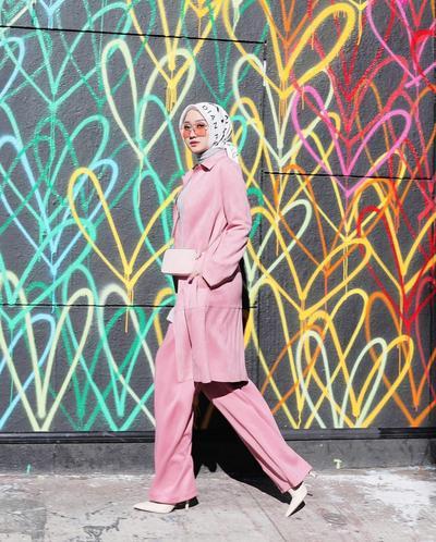 Hijabers Ingin Tampil Lebih Stylish? Yuk Pakai 7 Fashion Item Ini