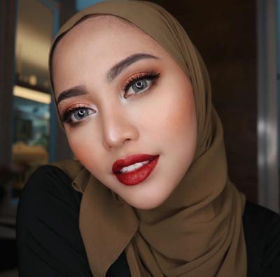 Tampil Cantik dan Merona, Ini Inspirasi Makeup Flawless ala Rachel Vennya
