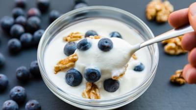 Tertarik Konsumsi Yogurt untuk Diet? Ini Lho Manfaatnya
