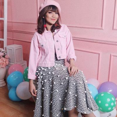 Lucu dan Imut, Intip 8 Gaya Fashion Korea Ala Ghea Indrawari Berikut
