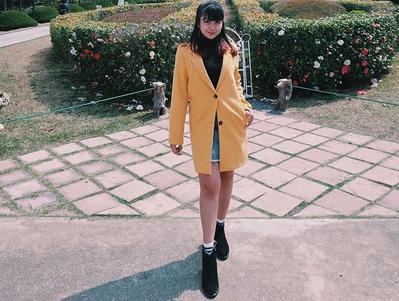 Long Blazer, Mini Skirt, dan Boots