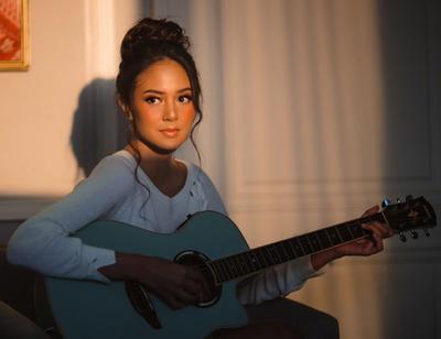 Potret untuk Lirik Video Lagunya