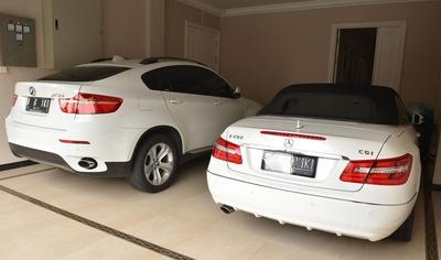 3. Rental mobil mewah untuk keperluan syuting sinetron