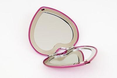 5. Cermin Saku
