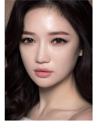 Mau Tampil Cute ala Cewek Korea? Coba 5 Tutorial Eyeliner Korea Ini!