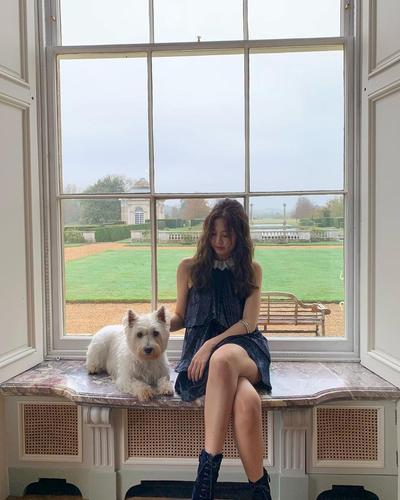 Jennie Blackpink Beri Inspirasi Tampil Kece ke Acara Pesta