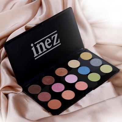 5. Gunakan Eyeshadow Pallete Dari Inez