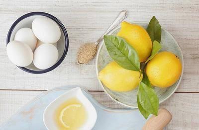 Lemon dan Putih Telur