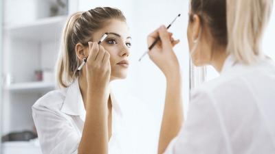 Makeup Jadi Lebih Menempel