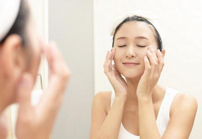 Biar Kamu Enggak Salah Pilih, Ketahui Perbandingan Skip Care vs 10 Steps Skin Care di Sini