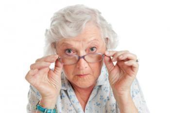 1. Mata Kering Akibat Proses Penuaan