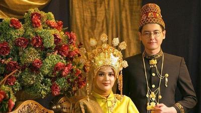 Konsep Pernikahan Tradisional Aceh ala Cut Meyriska dan Roger Danuarta