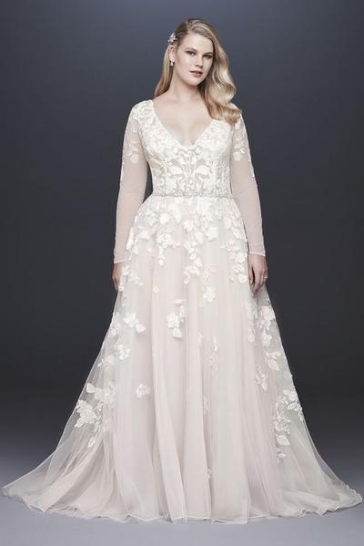 14. Long Sleeve Plus Size Wedding Dress