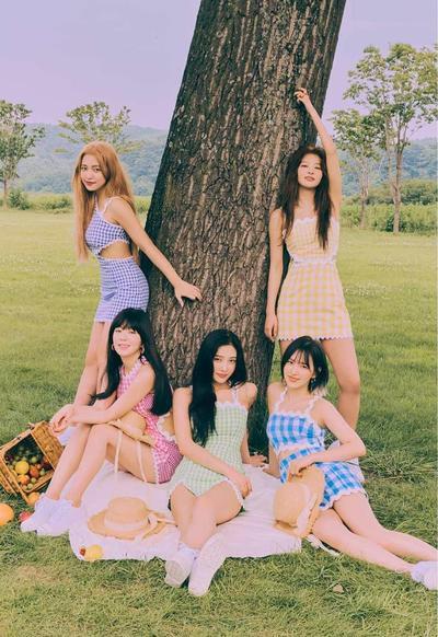 Busana Red Velvet di MV Umpah-Umpah yang Dituding Plagiat