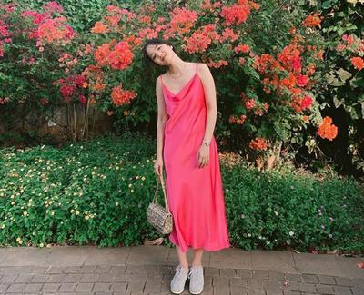 Menarik, Elxi Elvina Punya Tips Mix and Match untuk Ubah Split Dress Jadi Multifungsi