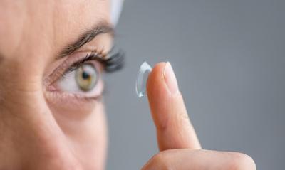 Penglihatanmu Tiba-tiba Kabur? Ini Penyebab dan Cara Mengatasinya!