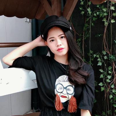 6 Gaya Fashion Pebbi Lieyanti, Beauty Vlogger Cantik yang Videonya Viral di Youtube