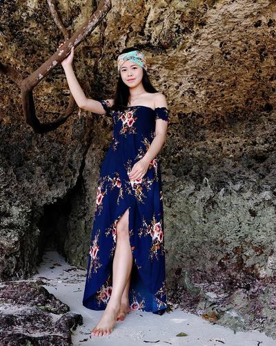 Floral Dress di Pantai