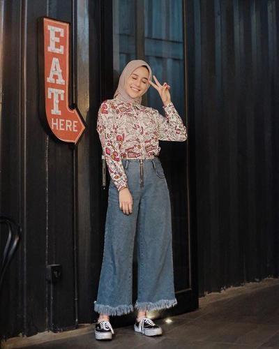 6. Padu Padan Celana Jeans Kulot