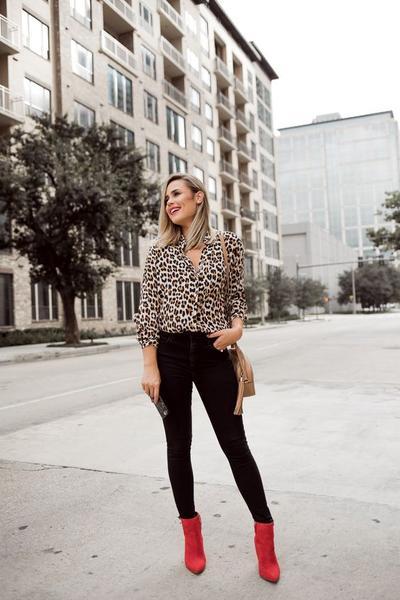 Anti Norak, Begini Cara Tampil Kece dengan Outfit Leopard Print untuk Sehari-hari