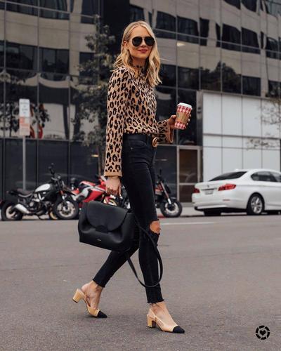 6.Tampil Chic Dengan Padu Padan Leopard Print dan Skinny Jeans