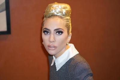 Rahasia Wajah Berkilau Lady Gaga Meski Tanpa Makeup