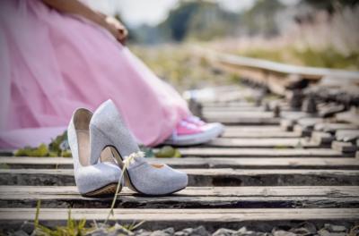 Tampil Nyaman dan Stylish, Begini Cara Tepat Pilih High Heels