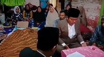 4. Pengantin Menikah di Samping Jenazah Sang Ibu