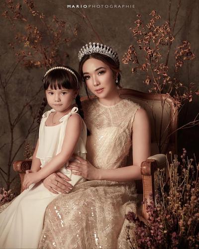Fashion Style Ratu dan Putri Kecil