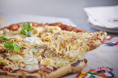 Happy Cheese Pizza Day! Yuk, Buat Kreasi Pizza Keju Enak Sendiri di Rumah