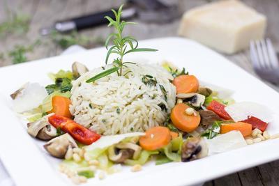 Jaga Tubuh Tetap Sehat, Yuk Konsumsi 5 Menu Makan Siang Berikut