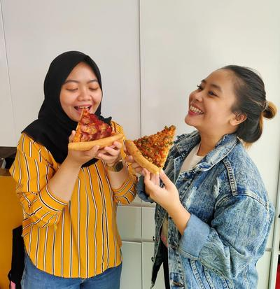 Editor's Picks : Pezzo Pizza VS Pizza Place, Enakan Mana?