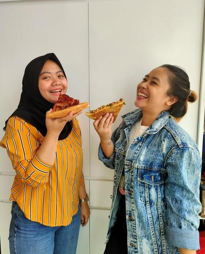 Editor's Picks : Pezzo Pizza VS Pizza Place, Enakan Mana?
