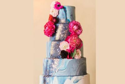 Pilih Desain dan Hiasan Kue Sesuai Selera dan Tema Pernikahan