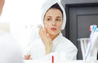 5 Produk Skincare Lokal untuk Mengatasi Bruntusan