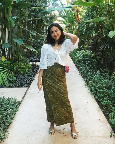 Cantik dengan Balutan Kain Batik