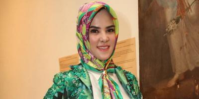 https://cdn.klimg.com/dream.co.id/resources/news/2015/04/13/12529/664xauto-angel-lelga-tekuni-dunia-bisnis-hijab-150413d.jpg