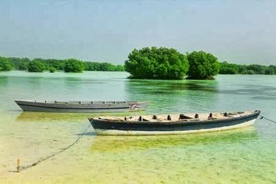 https://stecarols.wordpress.com/2015/03/20/wisata-pulau-pelangi-di-kepulauan-seribu/