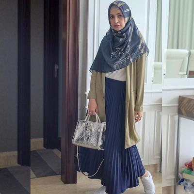 ootd hijab rok shireen sungkar