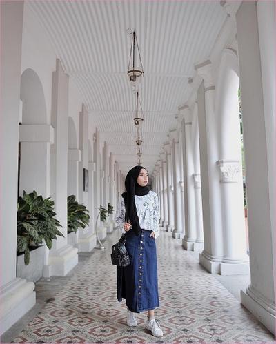 ootd hijab rok jeans