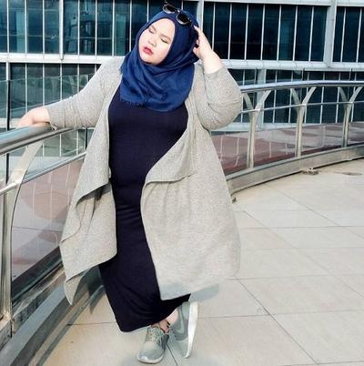 ootd hijab sneakers