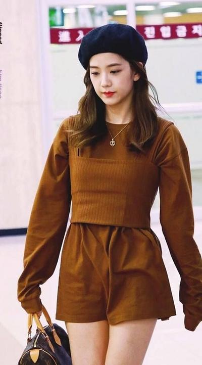 feminin dress jisoo