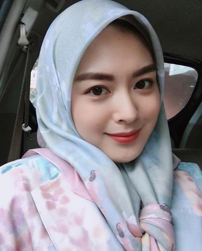 ayana - hijab segi empat